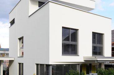 Einfamilienhaus_baar_veputzte_Fassade